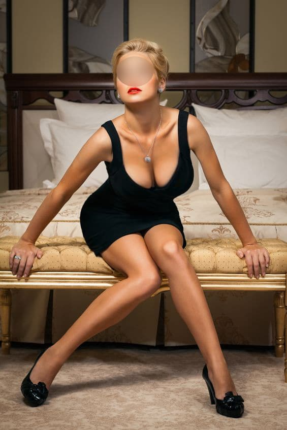 Independent Blonde London Escort, Date To Your Hotel